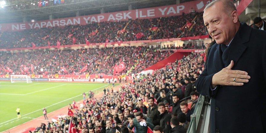 Cumhurbaşkanı Erdoğan A Milli Futbol Takımı'nın Maçını İzledi