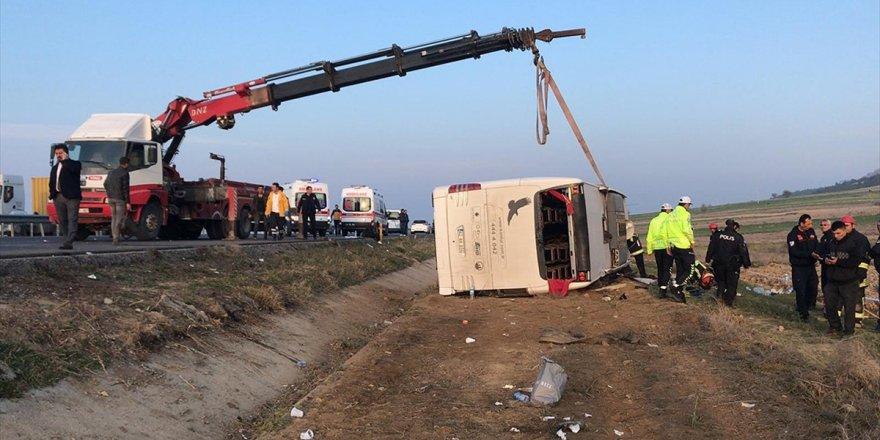 Güncelleme - Denizli'de Yolcu Otobüsü Devrildi: 2 Ölü, 35 Yaralı