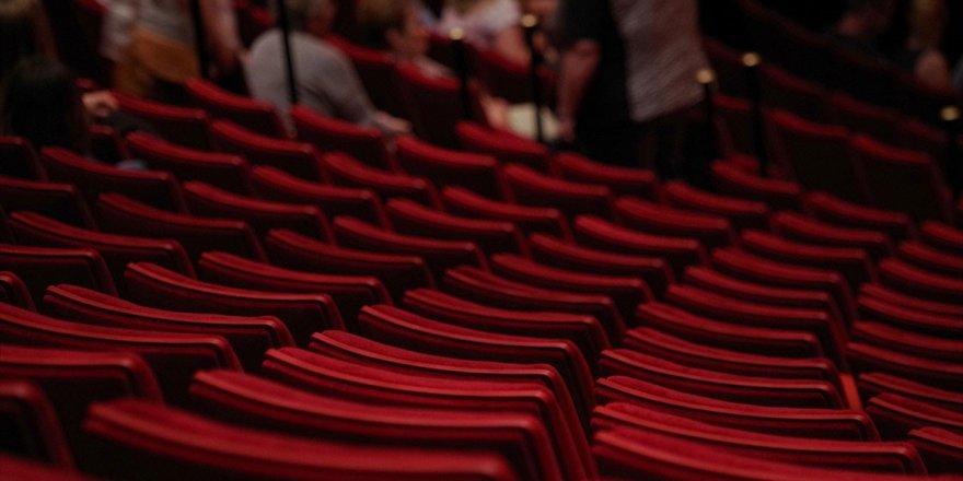 """Nöbetçi Tiyatro'da """"Kaşıkçılar"""" Sanatseverlerle Buluşacak"""