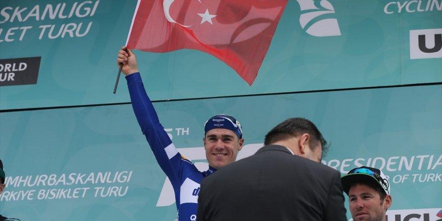 Jakobsen Podyuma Türk Bayrağı İle Çıktı