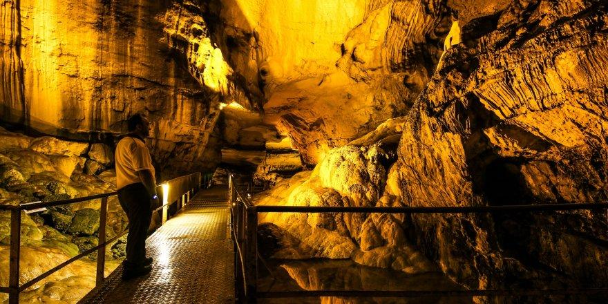"""Toroslar'ın Doğa Harikası """"Tınaztepe Mağarası"""""""