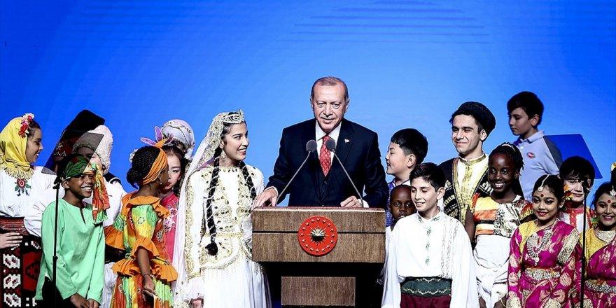 Cumhurbaşkanı Erdoğan: Dünyayı Güzelleştiren Yegane Şey Çocukların Tebessümüdür