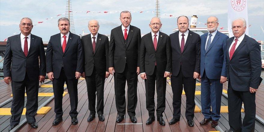 Stk'lardan 'Birlik Fotoğrafı'na Destek