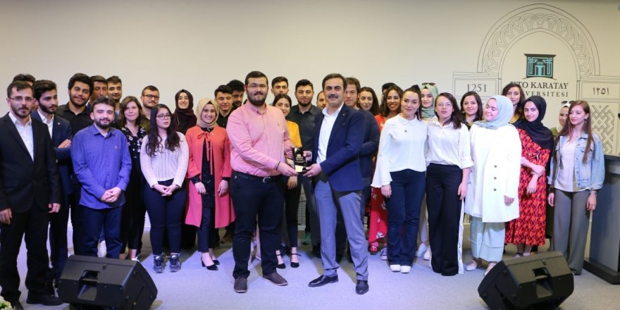 KTO Karatay Üniversitesi öğrenci topluluklarını ödüllendirdi