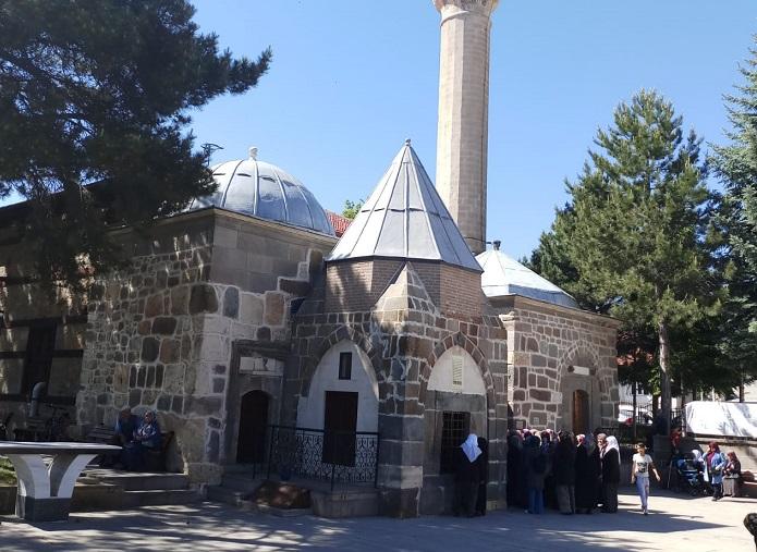 Sakal-ı Şerif Seydişehir'de Kadınların Ziyaretine Açıldı