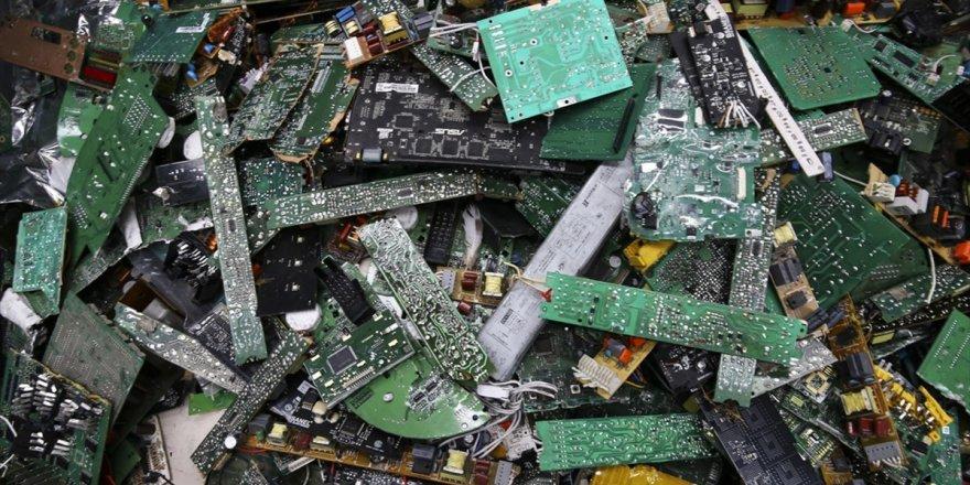 Afrika'da Büyüyen 'İthal' Çevre Sorunu: Elektronik Atıklar