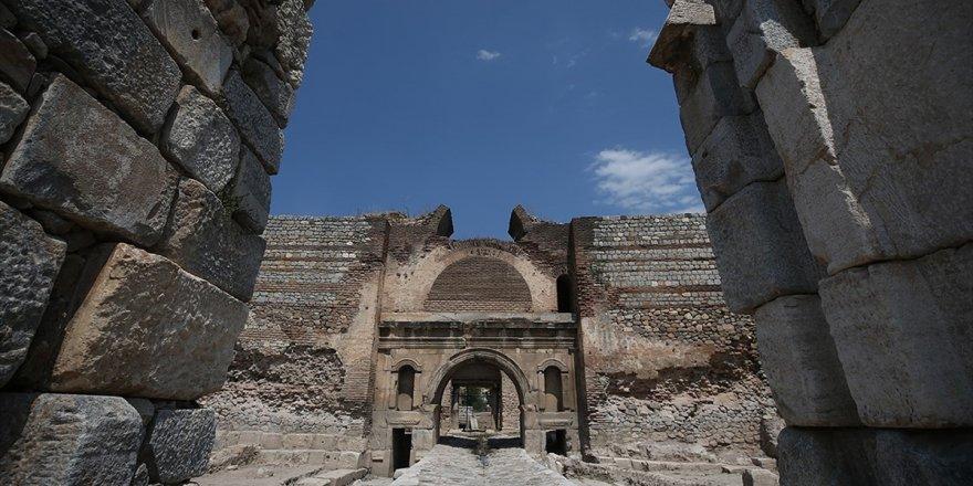 Tarihi Eserlerin Mimari Özellikleri Bugünkü Yapılara Hatasız Aktarılacak