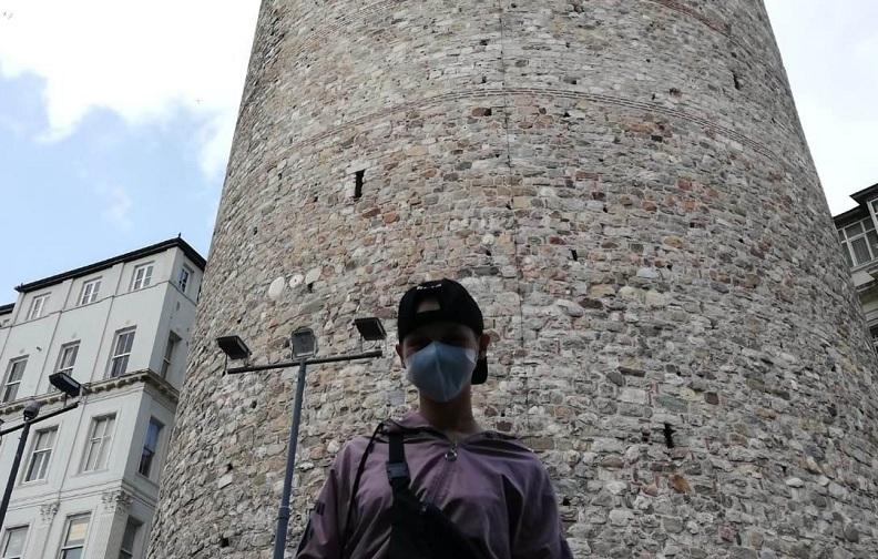 Kanser hastası Aysu'nun Kız Kulesi hayali gerçek oldu