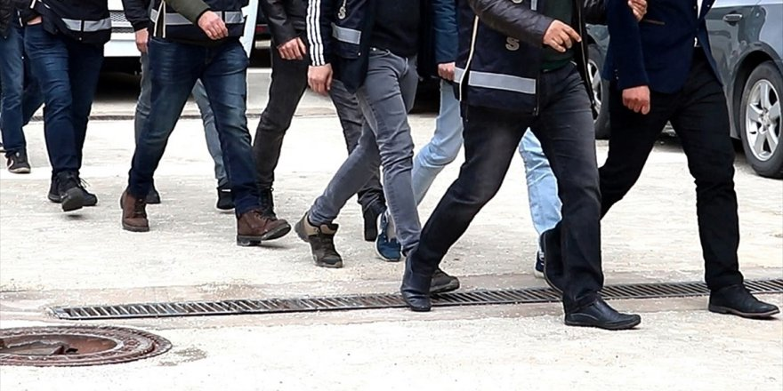 """FETÖ'nün """"Mahrem İmamlarına"""" Operasyon:  20 gözaltı"""
