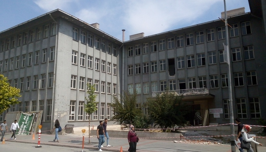 Eski 2. Ordu Komutanlığı binası yıkılıyor