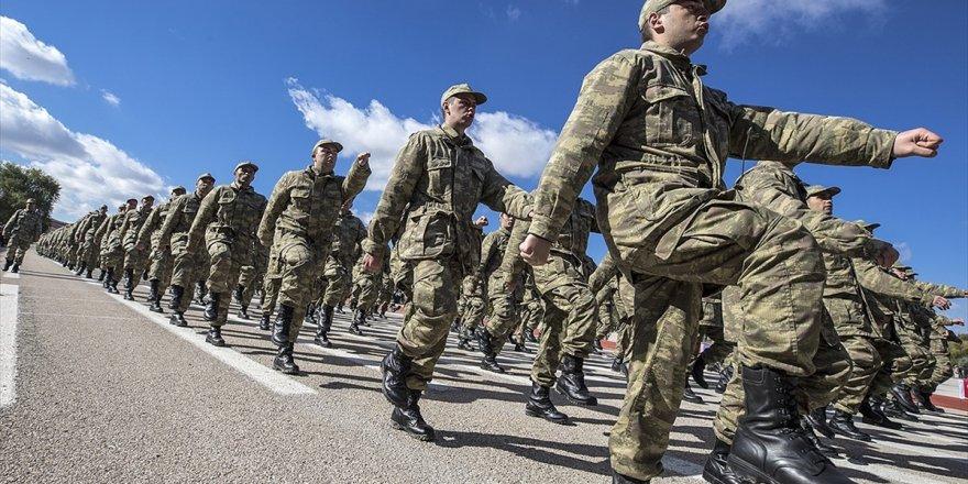 Askerlik Süresini 6 Aya İndiren Teklif Tbmm'de Kabul Edildi