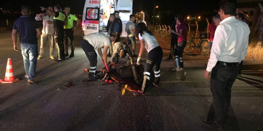 Motosikletle çarpışan otomobil sürücüsü kaçtı: 1 yaralı