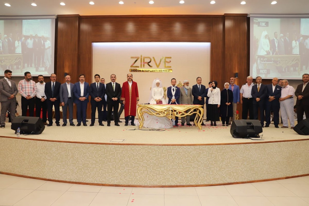 Başkan Mehmet Genç oğlunu evlendirdi