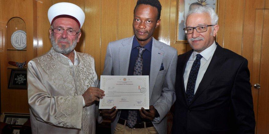 Lisansüstü eğitimi için geldiğiKonya'da Müslüman oldu