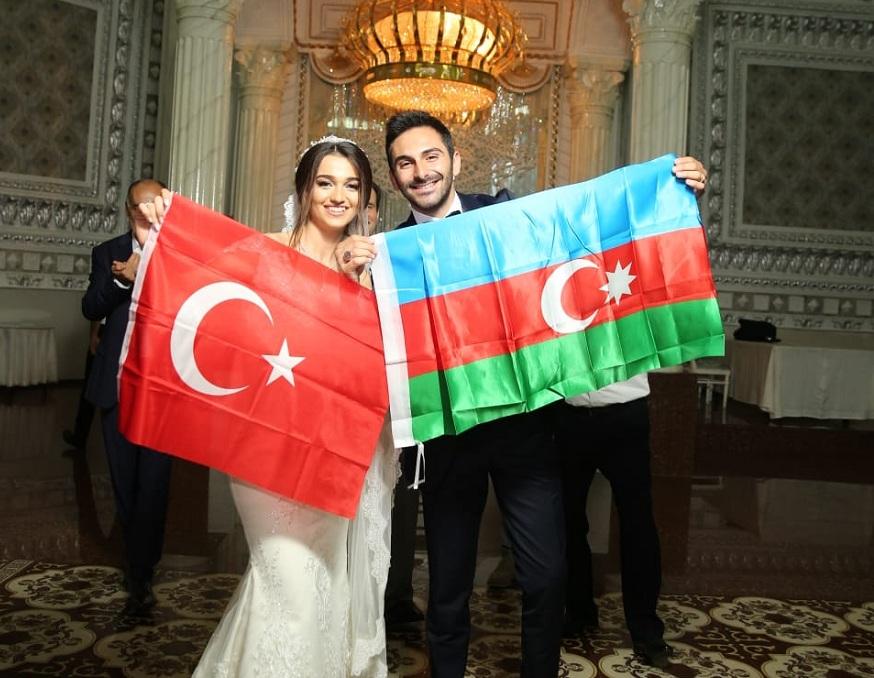 Suat ve Samira evlendi