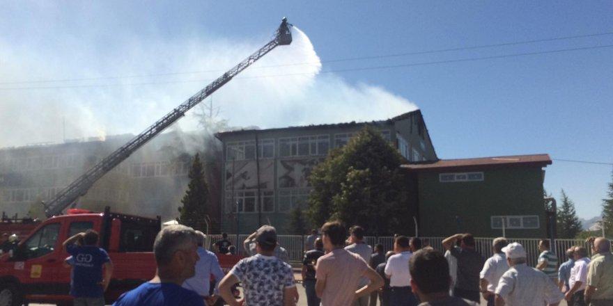 Silah Fabrikasındaki Yangın Söndürüldü