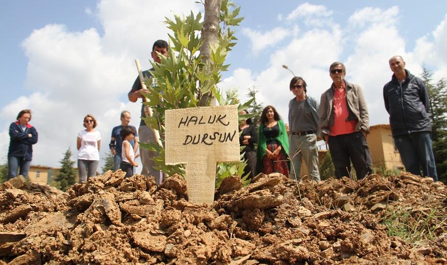 Bakan Yardımcısı Dursun'un adı sanatçıların köyündeki çınarlıkta yaşatılacak