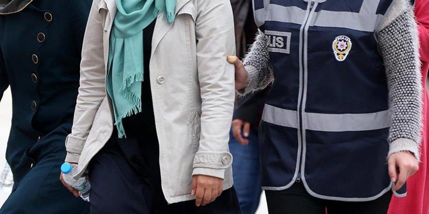 """Konya merkezli operasyonda FETÖ'nün Kayseri """"İl Ablası"""" Yakalandı"""