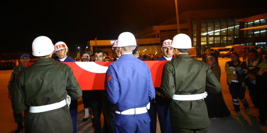 Şehit Teğmen'in Naaşı Konya'ya Getirildi