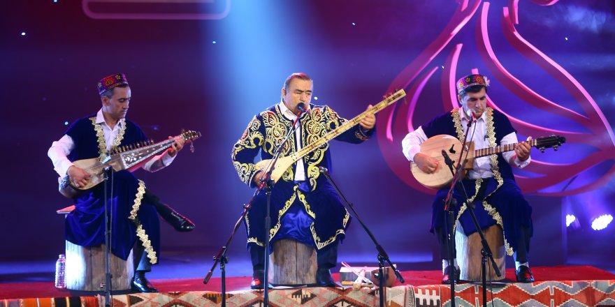 Mistik Müzik Festivali'nde Davlatmand Kholov sahne aldı