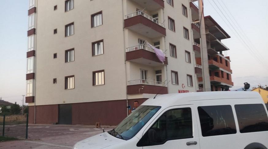 Üçüncü kattan düşen kadın hayatını kaybetti