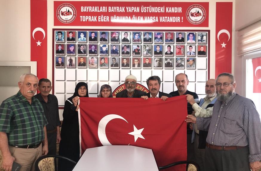 Konyalı şehit ailelerinden Barış Pınarı Harekatına destek