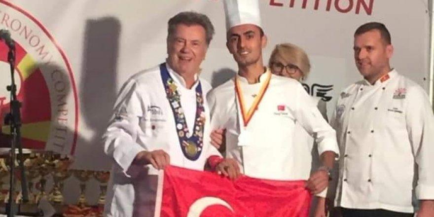 Selçuk Üniversitesi öğrencisinden 2 altın madalya