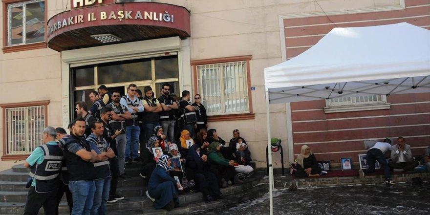 Hdp'liler Diyarbakır Annelerinin Oturma Eylemini Engellemek İstedi