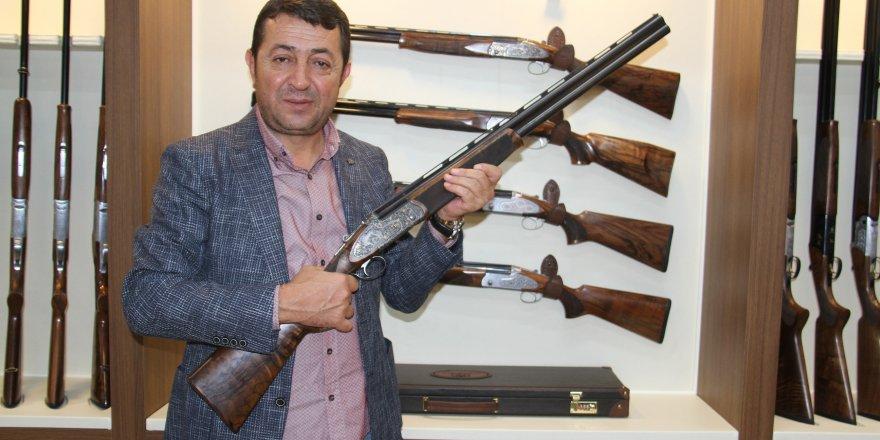 Altın İşlemeli Av Tüfekleri İkinci El Otomobil Fiyatına Satılıyor