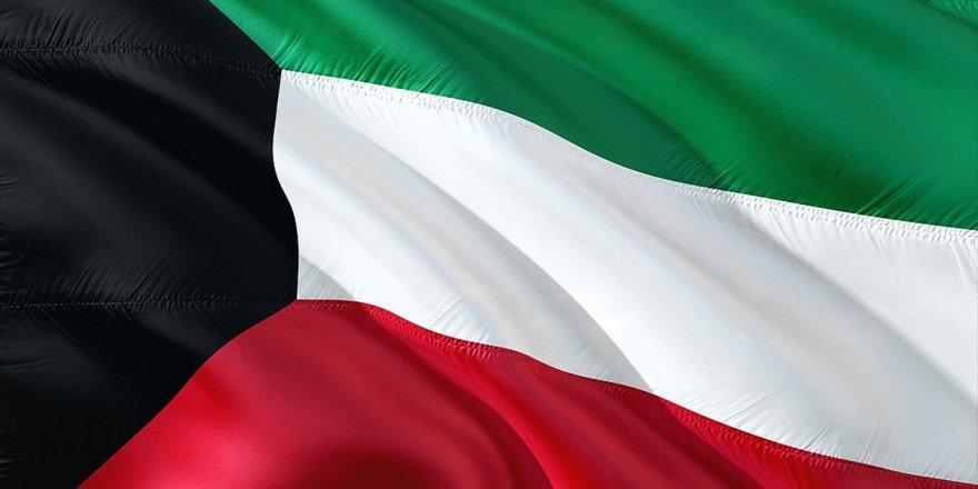 Kuveyt'te Hükümet İstifa Etti