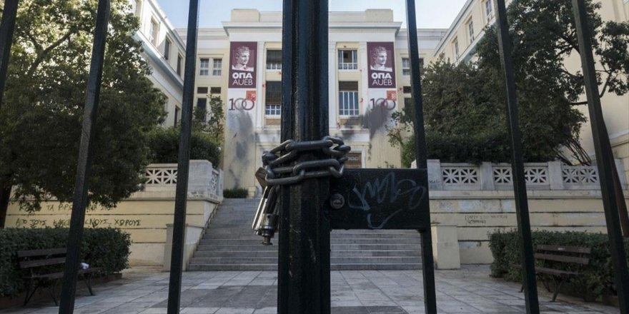 Yunanistan'da Öğrenciler '17 Kasım' Öncesi Üniversiteleri İşgal Eylemi Başlattı