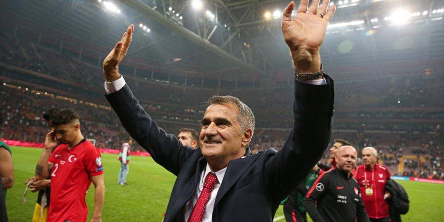 A Milli Futbol Takımı Teknik Direktörü Şenol Güneş: Mutluyuz Ve Sevinçliyiz