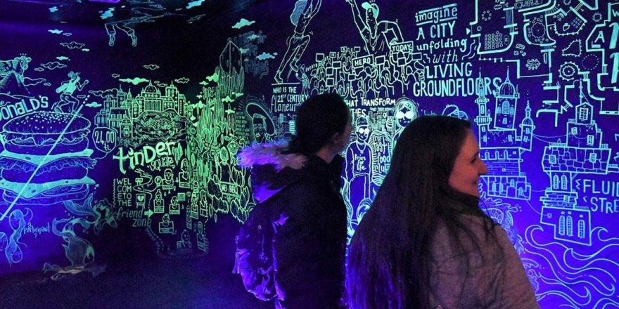 İsveç'te Türk Sanatçılardan 'Performatif Çizim' Gösterisi