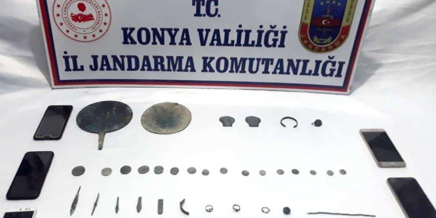Tarihi eser kaçakçıları dinlenme tesisinde yakalandı