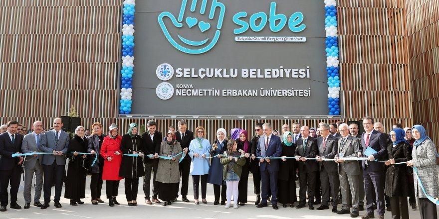 Emine Erdoğan, Selçuklu Otizmli Bireyler Eğitim Merkezini Açtı
