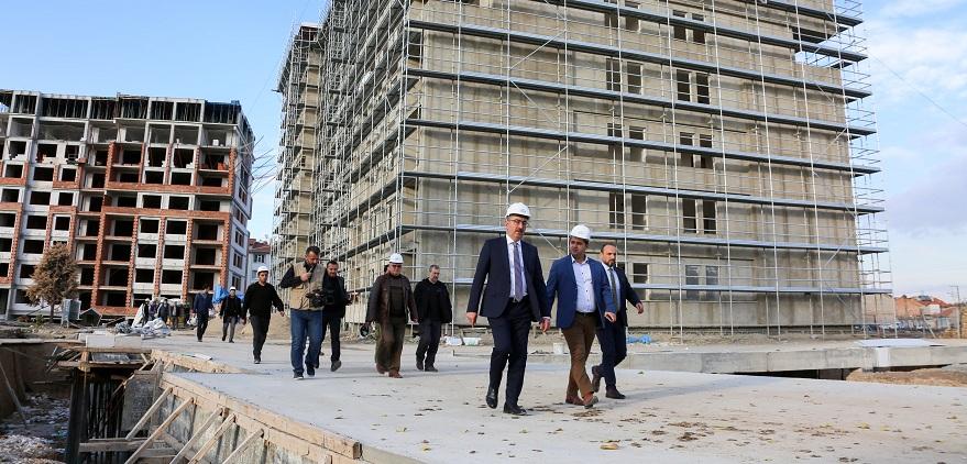 """Başkan Kavuş: """"Hemşehrilerimizi ilgilendiren her konunun takipçisiyim"""""""