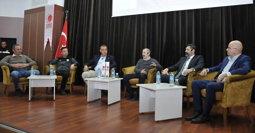 Selçuk'ta 'Basketbol Söyleşisi' düzenlendi