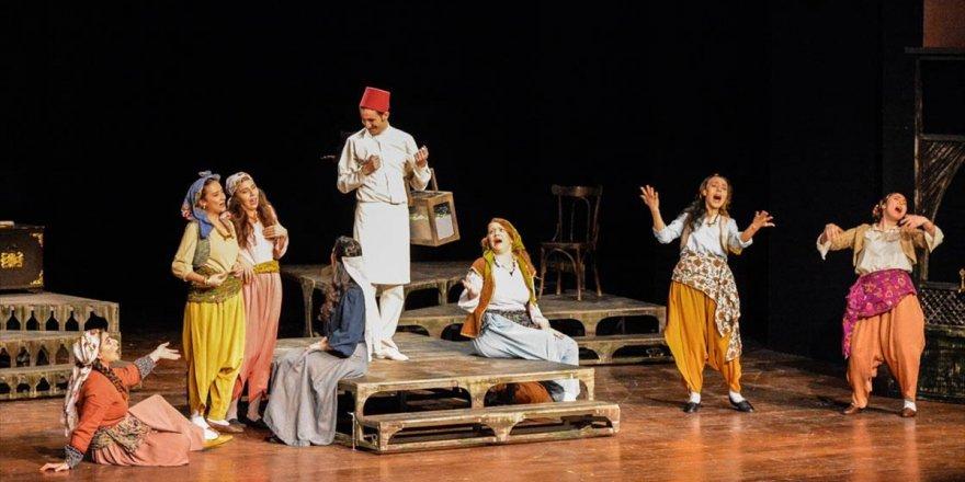 Ankara Devlet Tiyatrosu'ndan 'Aşkımız Aksaray'ın En Büyük Yangını' Oyunu