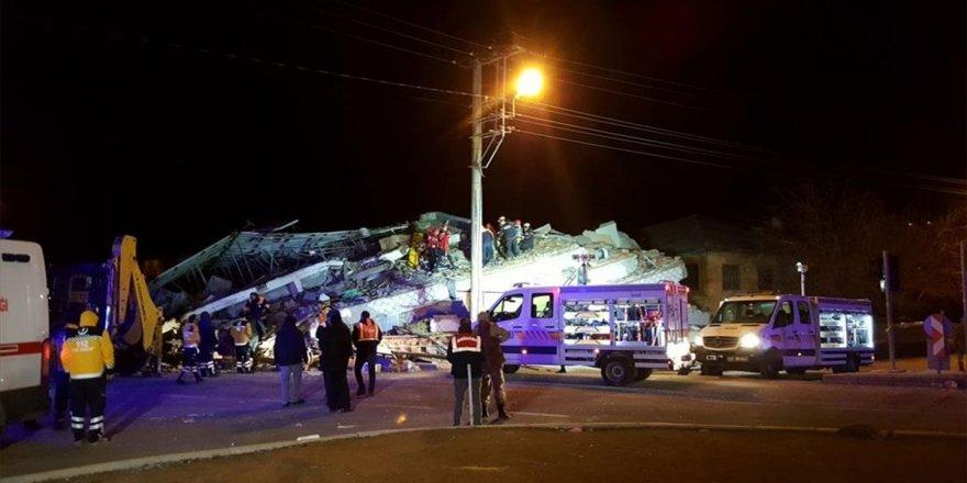 Afad: Elazığ'da İlk Belirlemelere Göre 6 Kişi Hayatını Kaybetmiştir