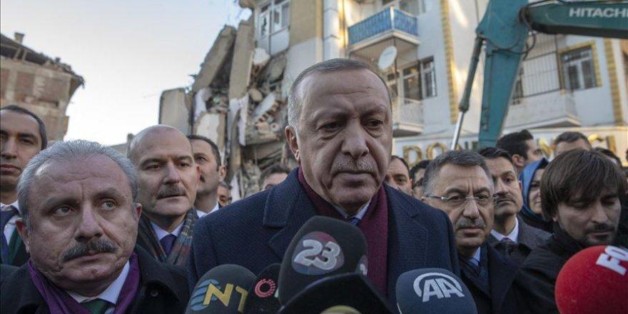 Cumhurbaşkanı Erdoğan: Vatandaşlarımızı hemen çelik konstrüksiyonla kalıcı konutlarına alacağız