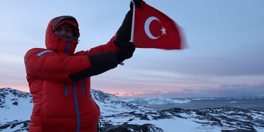 Küresel Isınmaya Dikkat Çekmek İçin Türk Bayrağıyla Kuzey Kutbu'na Gittiler
