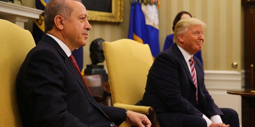 Trump, Cumhurbaşkanı Erdoğan'a Elazığ'daki Deprem Nedeniyle Taziyelerini İletti