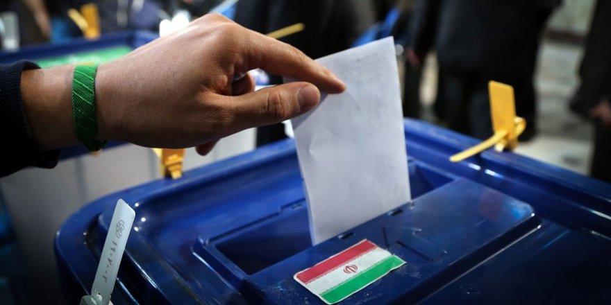 İran'da 11. Dönem Meclis Seçimleri İçin Oy Verme Süreci Başladı