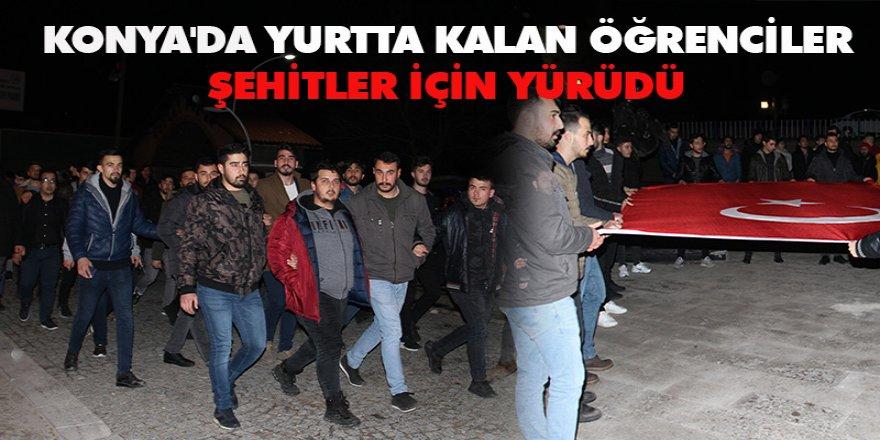 Konya'da Yurtta Kalan Öğrenciler Şehitler İçin Yürüdü