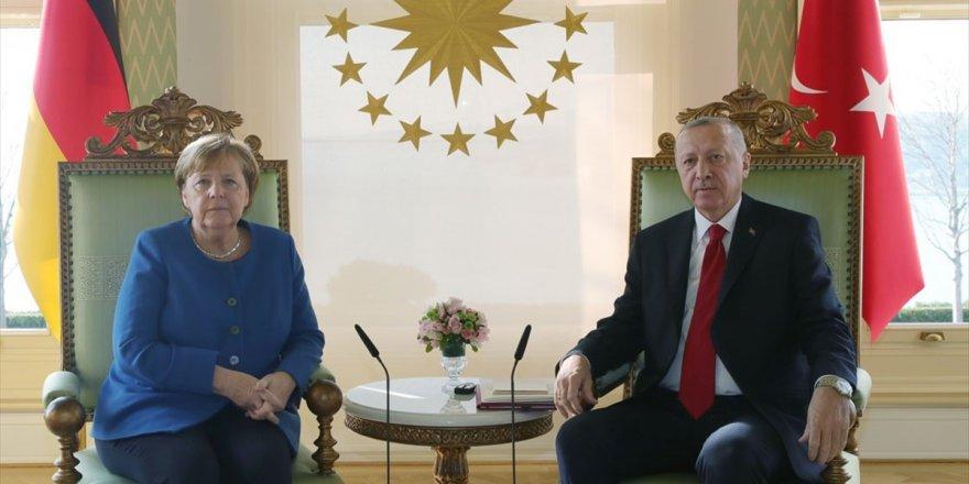 Cumhurbaşkanı Erdoğan İle Almanya Başbakanı Merkel Telefonda Görüştü