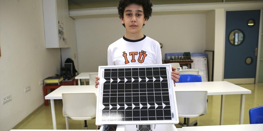 Kardeşinin İlaçları Bozulmasın Diye Güneş Enerjisiyle Çalışan Seyyar Buzdolabı Yaptı
