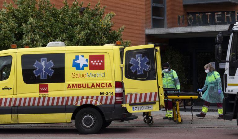 Günlük 150 kişinin öldüğü Madrid'de  cesetler buz pistine