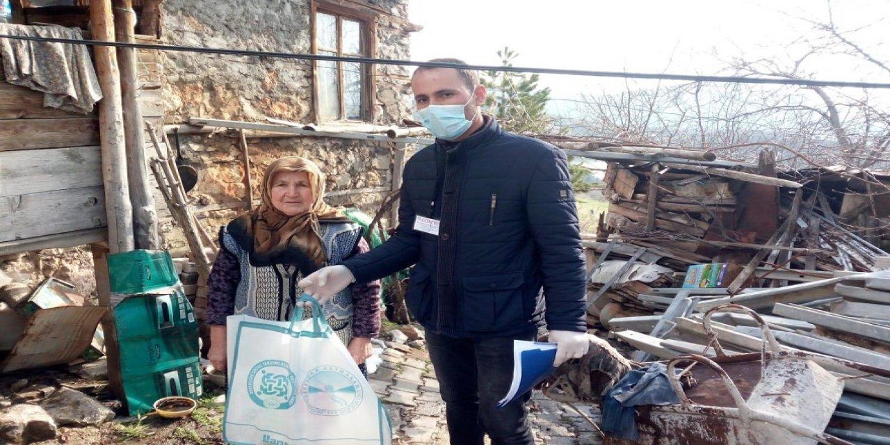 Vatandaşlara temizlik kiti desteği