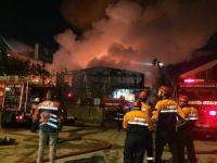 Ümraniye'de gıda deposundaki yangın