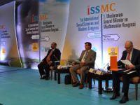 Sosyal Bilimler ve Müslümanlar Kongresi devam ediyor